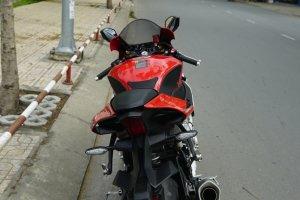 Cần bán yamaha R1 ABS HQCN 8/2015 xe đẹp giá mềm 20,xxx us cho ae nhanh gọn lẹ