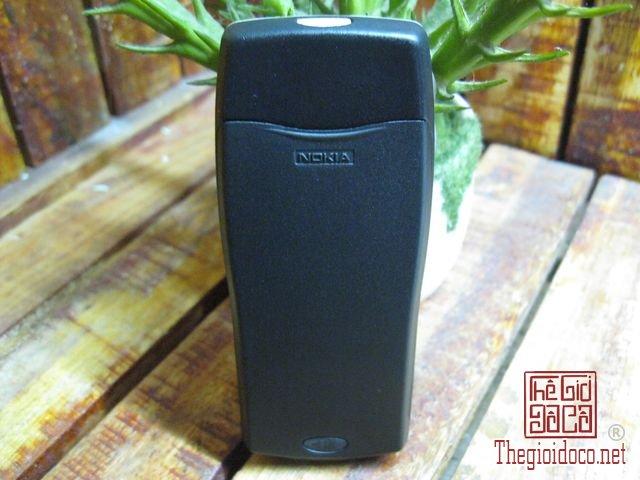 Nokia-8210-Gold (2).JPG
