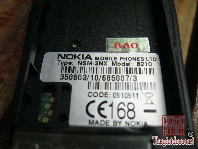 Nokia-8210-Gold (9).JPG