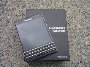 BlackBerry Passport azerty/qwerty đen/trắng