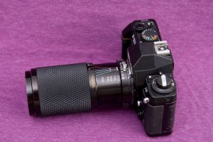 máy ảnh nikon F-501 + lens 80-200 1:4.5 giá 500k