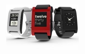 Fitbit mua lại Pebble, loại bỏ thương hiệu này trên thị trường