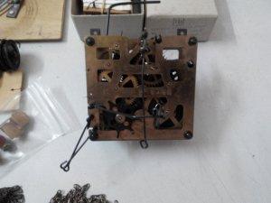 Vài món phụ kiện đồng hồ Cuckoo bán cho bác thợ