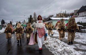 Tập tục đón Giáng sinh kỳ lạ ở Czech