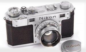 Máy ảnh Nikon cổ được bán với giá hơn 9 tỷ đồng