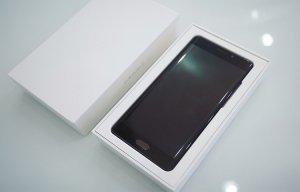 Xiaomi phủ nhận tin đồn ra mắt phiên bản màn hình phẳng của Mi Note 2
