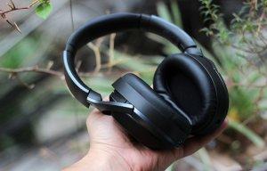 """Bose và Beats cần """"bước qua xác"""" flagship này của Sony"""