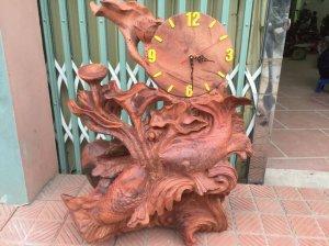 Đồng hồ gỗ cá chép