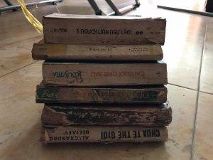 Giao lưu 6 quyển sách cũ