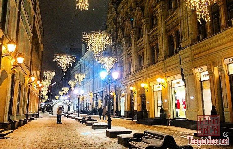 Không khí Giáng sinh đã tràn ngập trên đường phố Tây (P (3).jpg