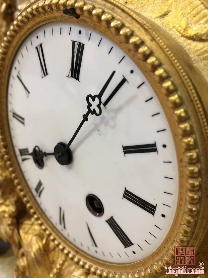 Đồng hồ để bàn mạ vàng (3).jpg