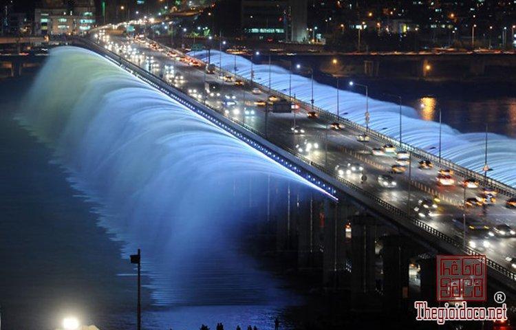 10 đài phun nước độc nhất vô nhị trên thế giới (5).jpg