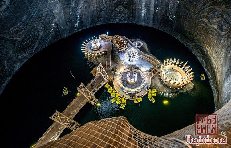 Những công trình ngầm dưới đất đầy ấn tượng trên thế giới (P (6).jpg
