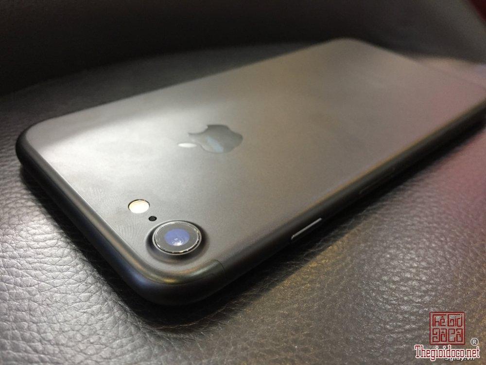 Iphone 7- 32Gb (3).JPG