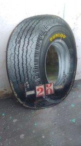 Bán lịch quảng cáo lốp xe Dunlop xưa.