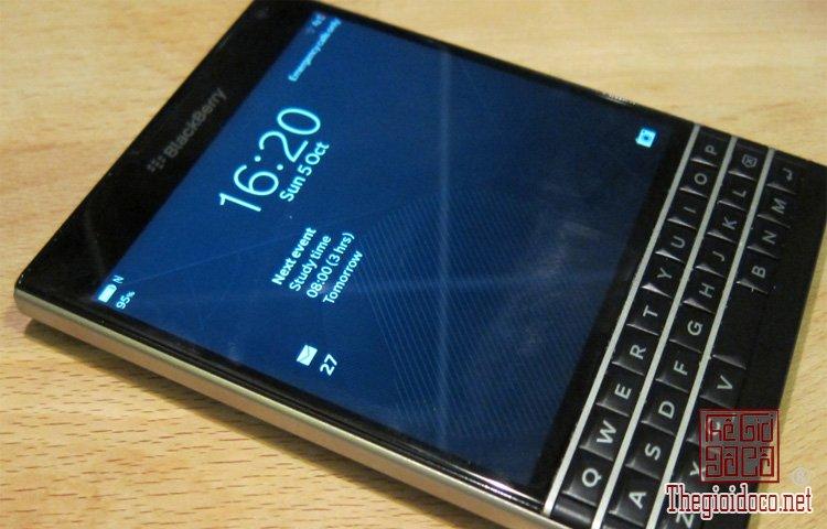 BlackBerry-Passport (3).jpg