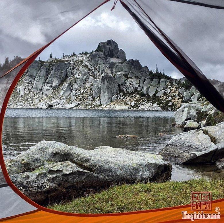 Thiên nhiên kỳ thú qua khung lều trại (P (6).jpg