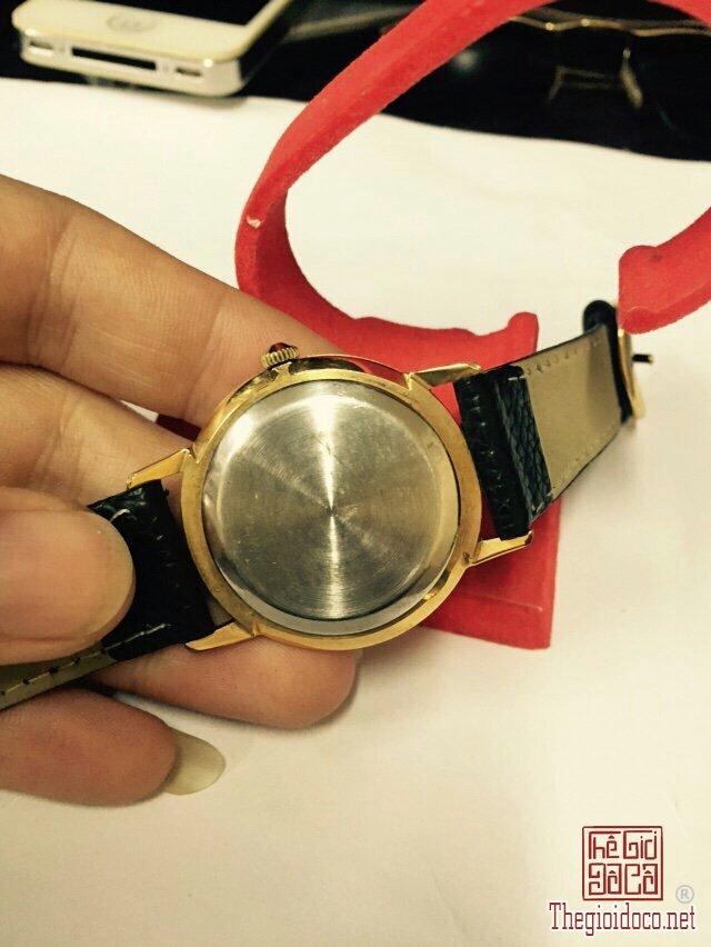 Đồng hồ Raketa kim rốn, máy lên dây, vỏ lacke (3).jpg