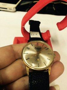 Đồng hồ Raketa kim rốn, máy lên dây, vỏ lacke (8).jpg