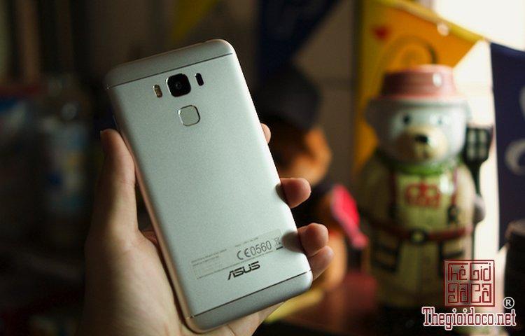 ZenFone-3-Max  (2).jpg