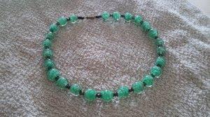 vòng đá nhân tạo màu xanh ngọc tuyệt đẹp, mua tại Pháp năm 1967.
