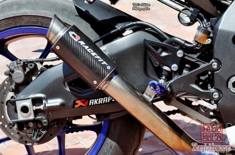 Yamaha R1  (2).jpg