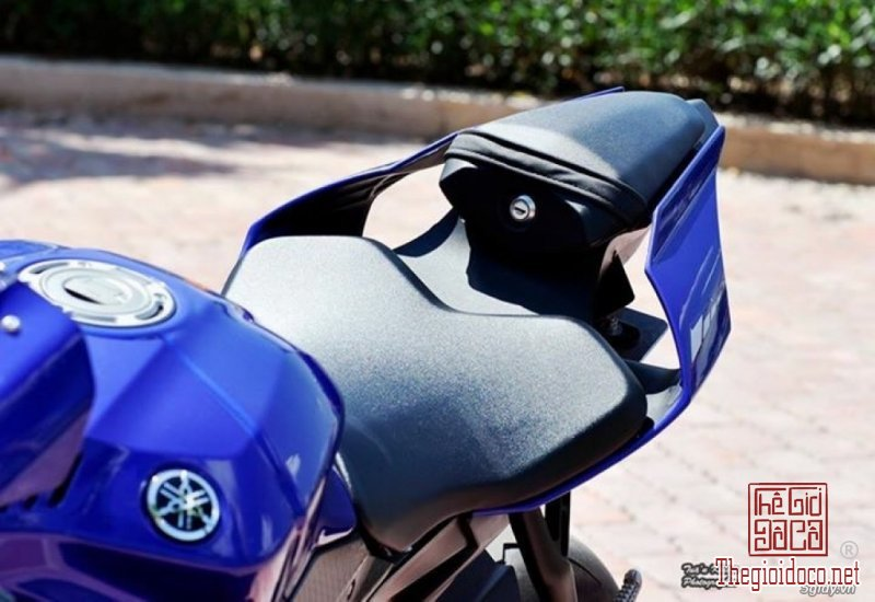Yamaha R1  (3).jpg