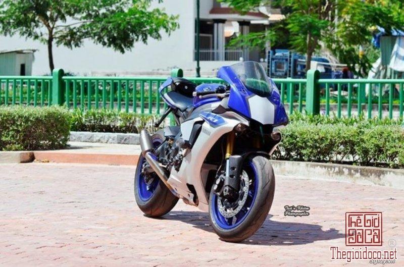 Yamaha R1  (5).jpg