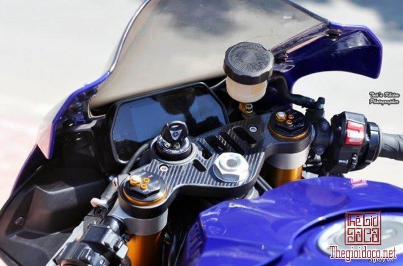 Yamaha R1  (6).jpg