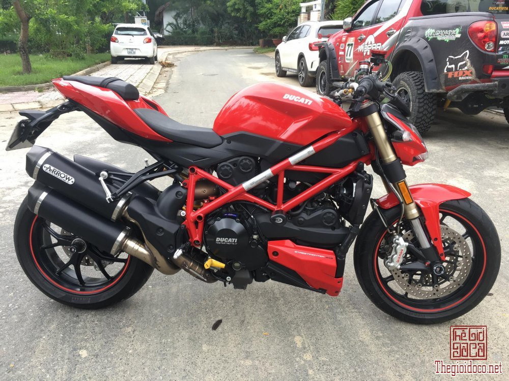 Ducati StreetFighter 848 (4).jpg