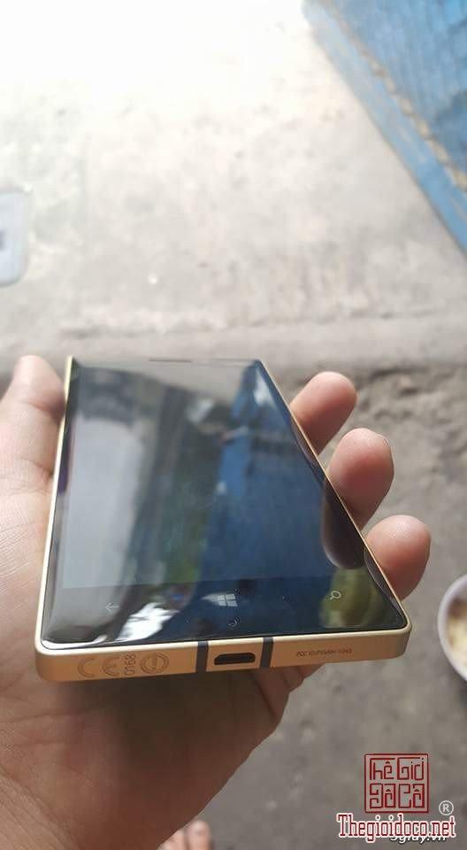 Lumia 930 (1).jpg