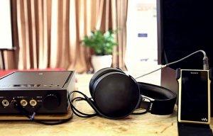 Sony Walkman NW-WM1Z: máy nghe nhạc mạ vàng, nặng nửa ký, đổi ngang 4 chiếc iPhone 7