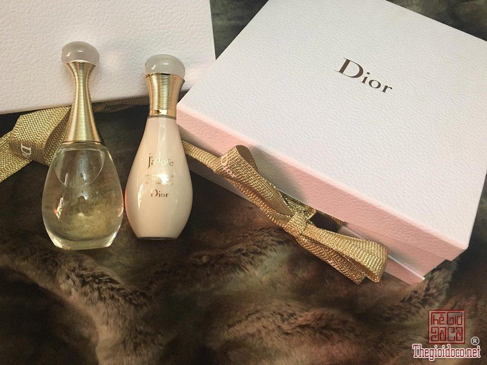Giftset Dior Jadore (6).jpg
