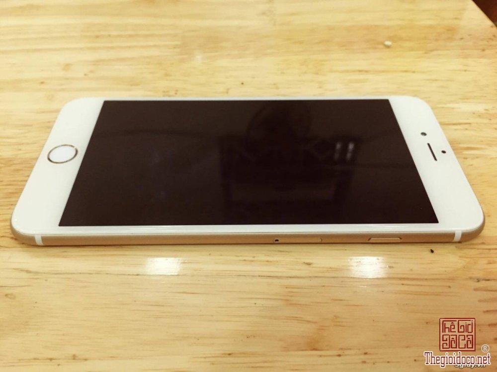 iPhone 6 Plus (2).jpg