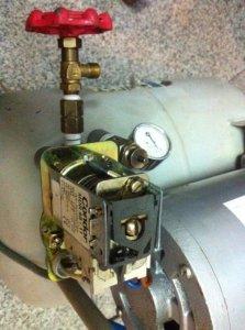 MÁY bơm hơi IWATA NHẬT dầu 400w, 100v