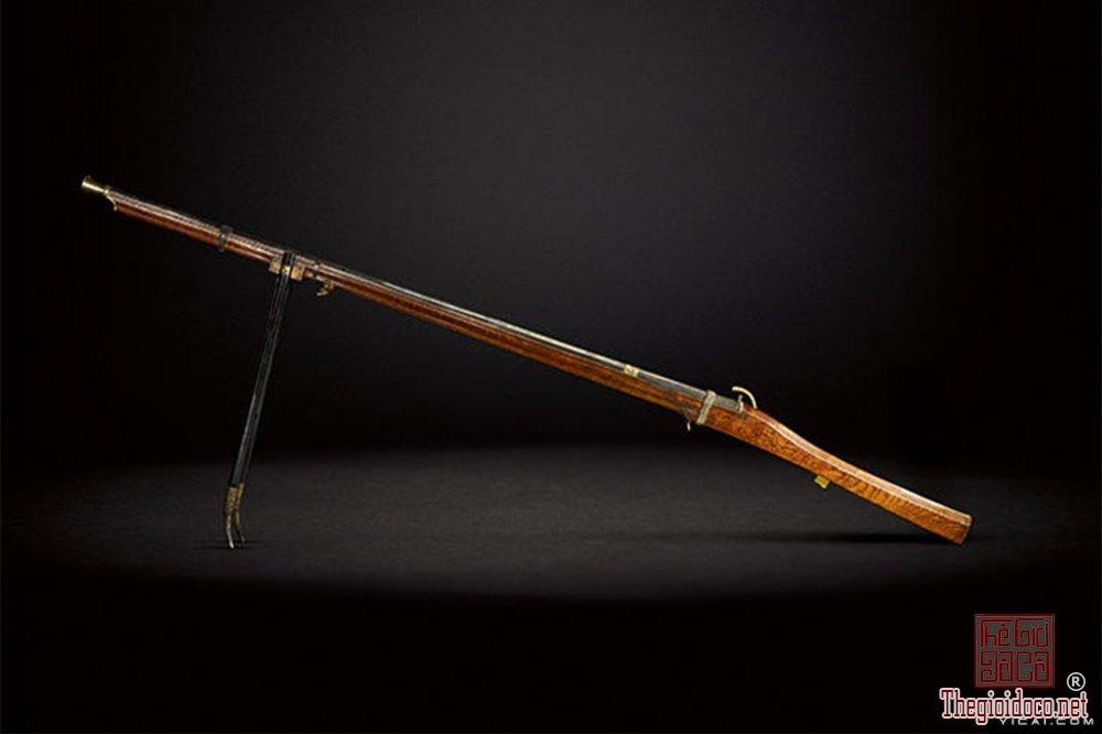 sung-san-cua-vua-can-long-co-gia-gan-2-trieu-usd-1 (6).jpg