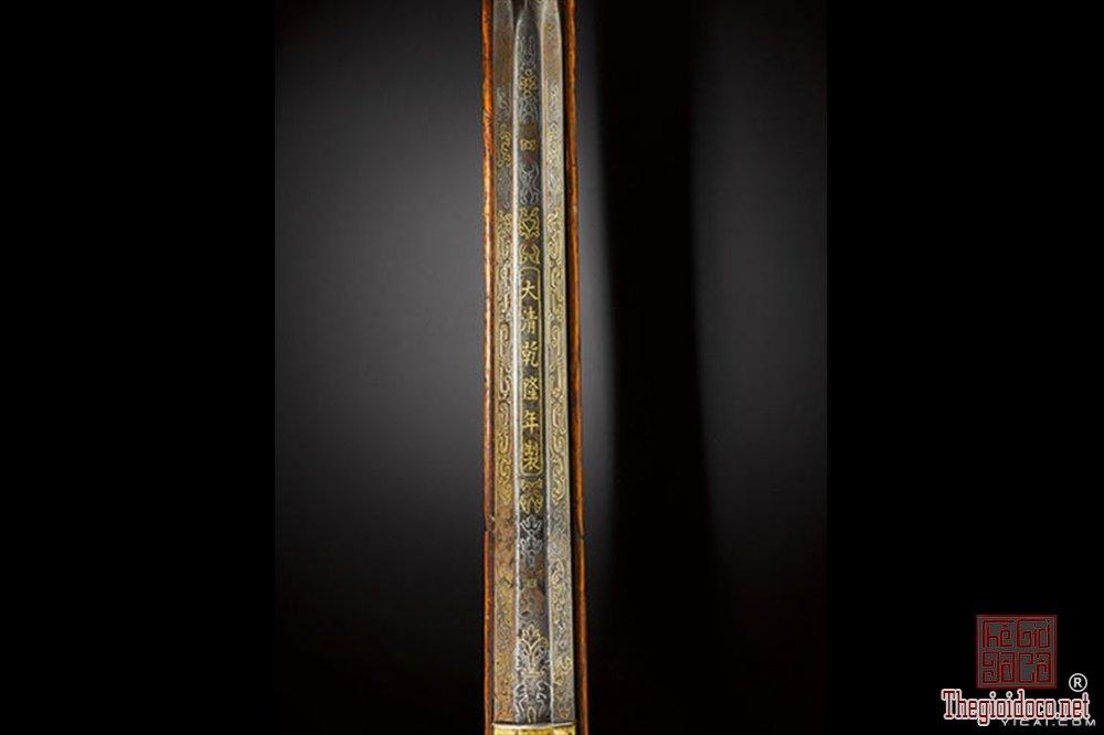 sung-san-cua-vua-can-long-co-gia-gan-2-trieu-usd-1 (7).jpg