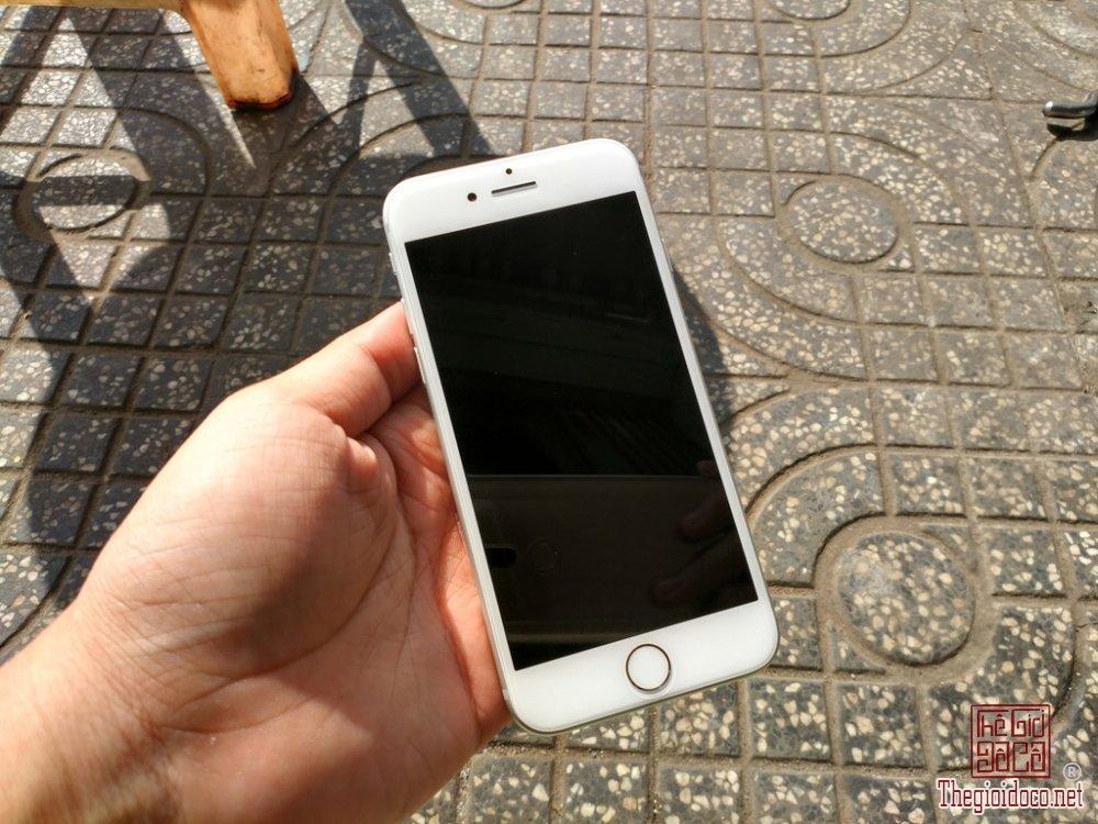 iPhone 7 128GB (1).jpg
