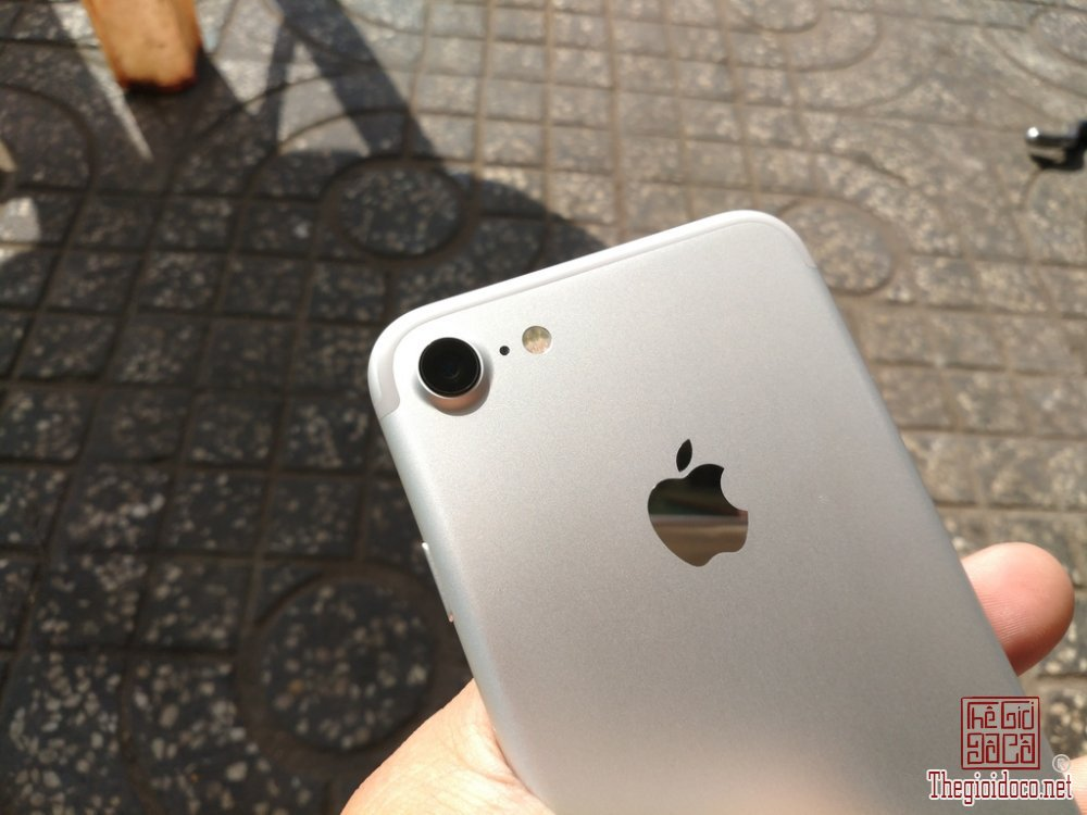 iPhone 7 128GB (5).jpg