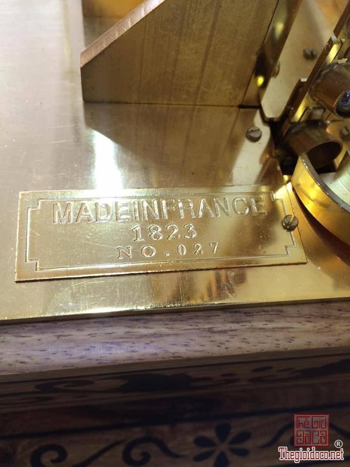 Đồng hồ Skeleton bi thác nước mạ vàng 24 Karat  (6).jpg