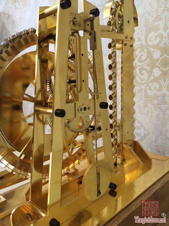 Đồng hồ Skeleton bi thác nước mạ vàng 24 Karat  (7).jpg