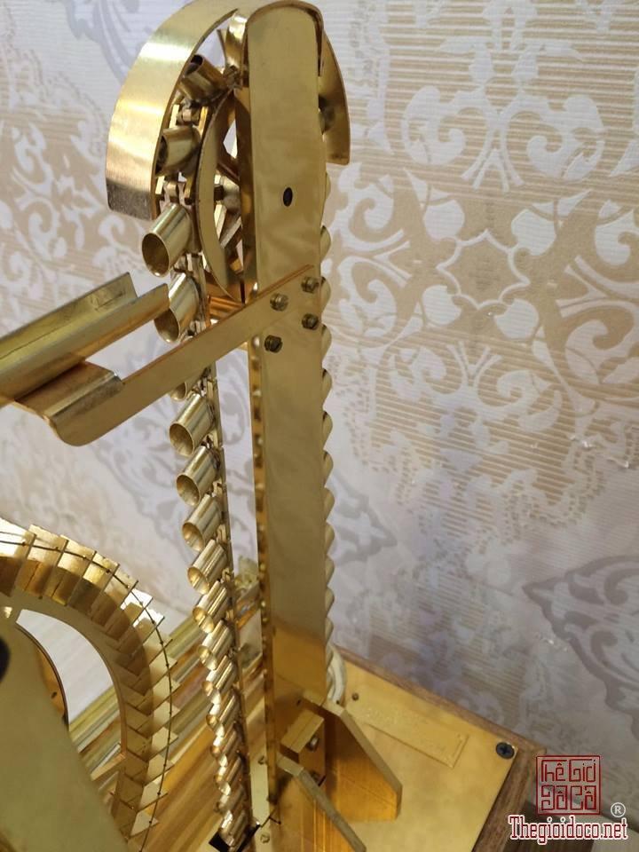 Đồng hồ Skeleton bi thác nước mạ vàng 24 Karat  (10).jpg