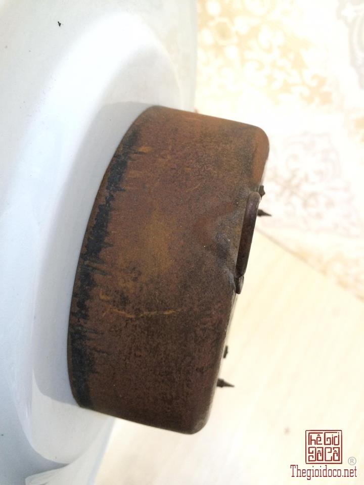 Đồng hồ treo tường men sứ trắng thương hiệu Junghan (4).jpg