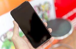 Người dùng thường làm hư điện thoại khi Apple ra iPhone mới