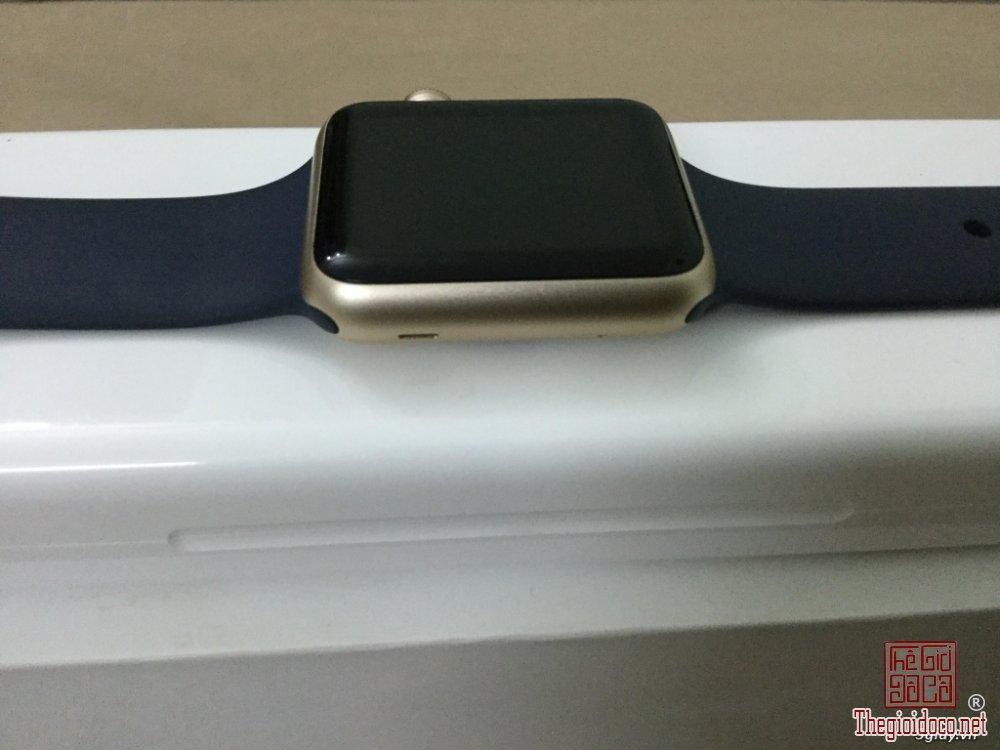 Apple Watch Aluminum (2).jpg