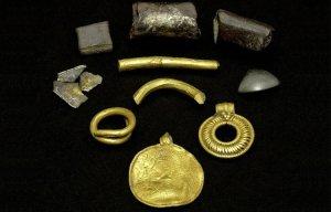 Dây chuyền vàng nghìn tuổi khắc hình vị thần ban phát hạnh phúc