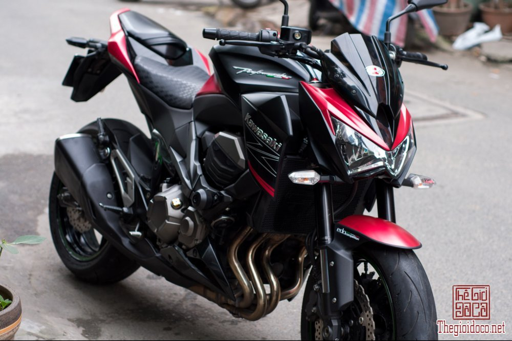 Kawasaki Z800 2015 (2).jpg