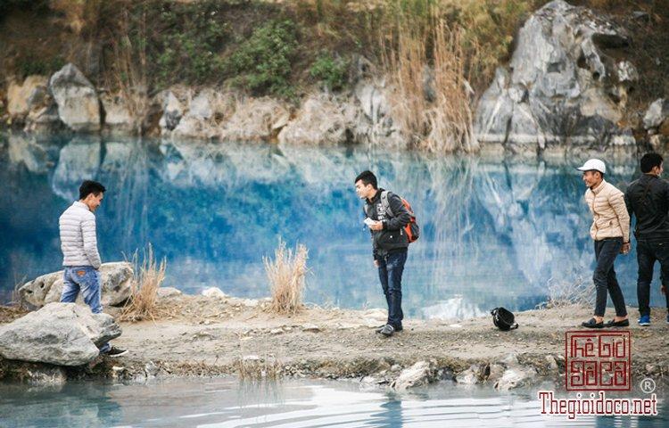 hồ nước xanh (7).jpg