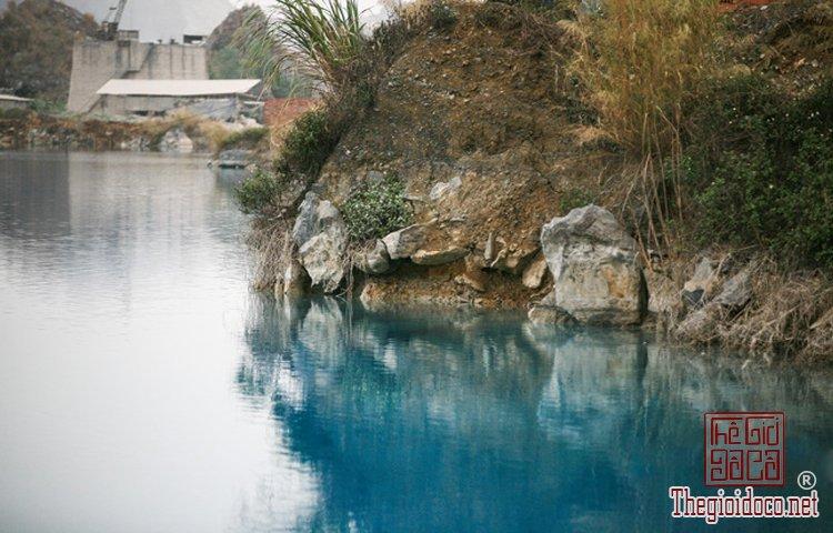 hồ nước xanh (9).jpg