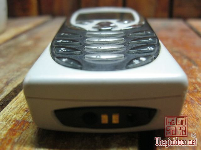 Nokia-8310 (7).JPG